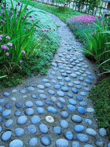 Allee De Jardin En Galet Une All 233 E De Jardin Toute Simple En Galets