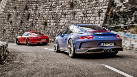 Video: Porsche 911 Carrera T Vs Gt3 Touring