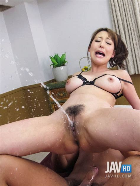 japanese milf squirts during intercourse
