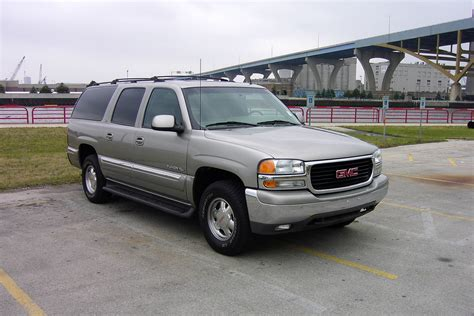 gmc yukon xl overview cargurus
