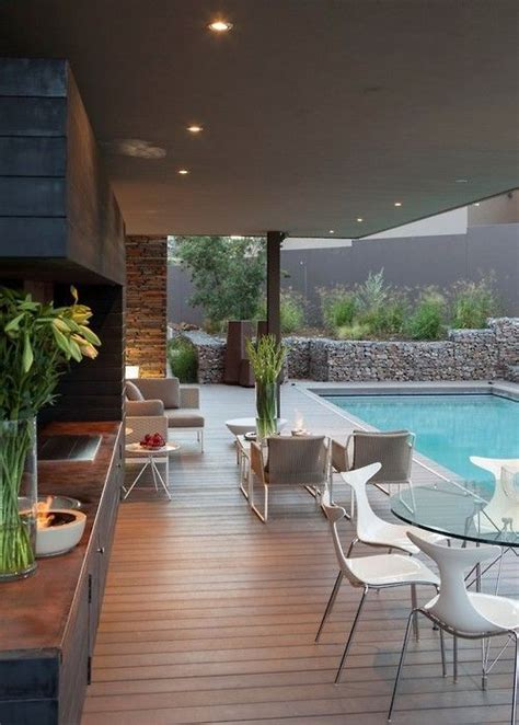 Perfect Outdoor Entertainment Area  Luxurious Homes