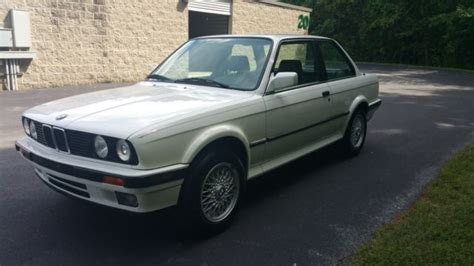 Bmw 3-series Coupe 1989 White For Sale. Wbaab0302k8135234