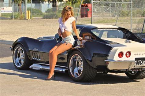 corvettes hot women corvettes cochesautos clasicos