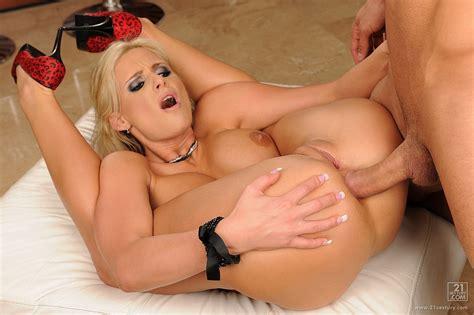 Phoenix Marie Takes Big Hard Cock Deep In Her Tight