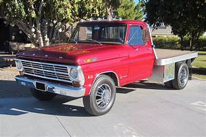 1969 Ford F-350 Flatbed Truck