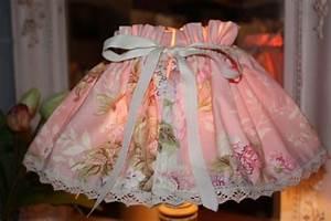 Fabriquer Un Abat Jour En Tissu : jupon abat jour pour habiller une lampe en un clin d il ~ Zukunftsfamilie.com Idées de Décoration