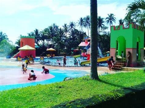 tempat wisata keluarga pikatan waterpark temanggung