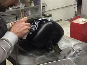 Peinture Plastique Voiture : peinture moto harley skull white and black mat nantes 44 ~ Melissatoandfro.com Idées de Décoration