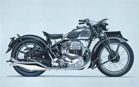 Realistic Motorcycle Paintings By William Fisk
