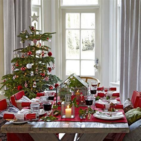 decoration de noel avec du houx joyeux no 235 l avec nos 35 id 233 es de d 233 co de table pour no 235 l