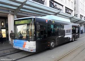 Was Ist Ein Bus : hier ist ein man bus mit neuer kino werbung zu sehen bus ~ Frokenaadalensverden.com Haus und Dekorationen