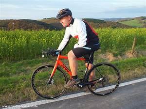 B Twin Fahrrad Test : b twin fahrrad shorts 700 xc man n zeigt bein fraktur ~ Jslefanu.com Haus und Dekorationen