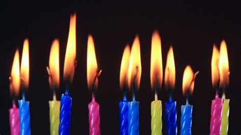 Animated Burning Candle Wallpaper - animated birthday candles flickering and being