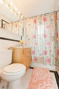 les 25 meilleures idees de la categorie couleur corail sur With tapis chambre bébé avec robe blanche fleur