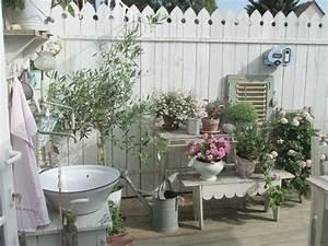 Gartenhaus Shabby Chic : 1000 ideen zu shabby chic veranda auf pinterest terrassen schaukeln und altes land dekor ~ Markanthonyermac.com Haus und Dekorationen
