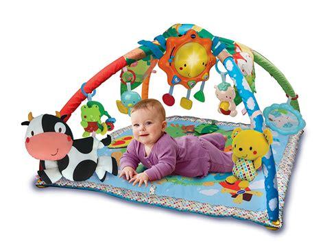 tapis d eveil autour de bebe tapis d 233 veil eveil et jouets dans assistant de naissance milirose