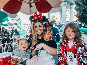 Disneyland Tips: Disneyland With Kids | The Girl in The ...