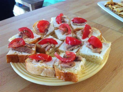 idée canapé apéro une idée pour l 39 apéro 6 toasts briochés à la sardine