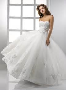 sweetheart neckline wedding dress looking fabulous with lace gown wedding dresses