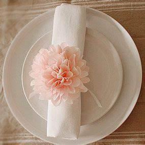 Verrückte Hochzeitsgeschenke Ideen : die besten 25 servietten hochzeit ideen auf pinterest servietten servietten falten anleitung ~ Sanjose-hotels-ca.com Haus und Dekorationen