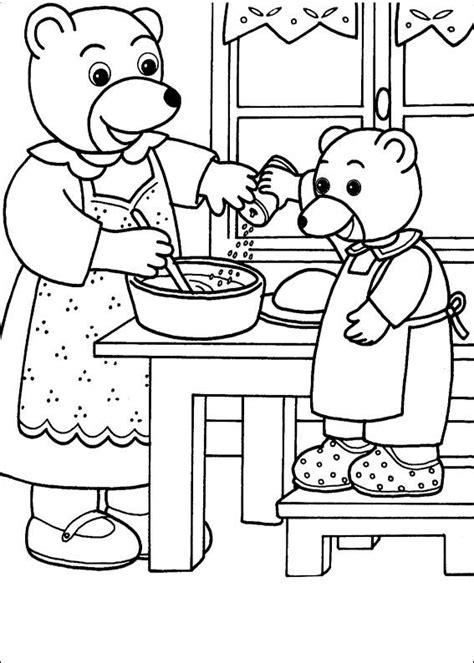 coloriage a imprimer petit ours brun aide maman ours a cuisiner gratuit et colorier