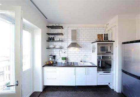 spacious small kitchen ideas