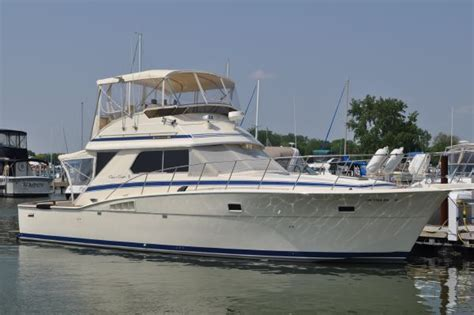 1985 Chris Craft Deck Boat by Used 1985 Chris Craft 422 Commander Port Clinton Oh