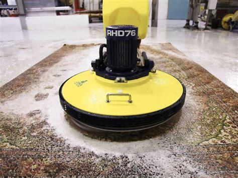 nettoyage d un tapis nettoyer un tapis dans les r 232 gles de l