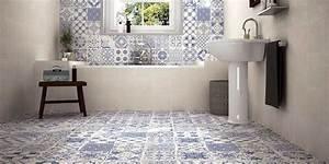 Carreaux De Ciment Salle De Bain : carrelage salle de bain bleu id es d sob issant la banalit ~ Teatrodelosmanantiales.com Idées de Décoration