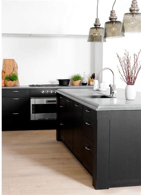 Küche Dunkle Arbeitsplatte by 78 Best Dunkle K 252 Chen Schick Durch Schwarz Grau Images