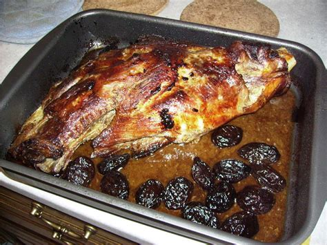 cuisiner cuissot de sanglier cuissot de sanglier aux cepes et pruneaux les créations