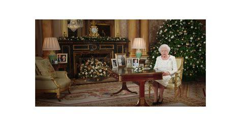 l amour dans le bureau la reine elizabeth ii dans le salon 1844 au palais de buckingham pour allocution de no 235 l le