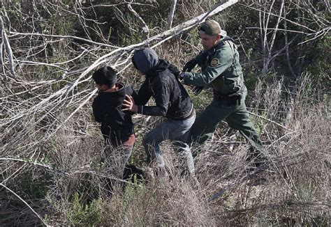 fears  crisis  mexico border  fresh influx