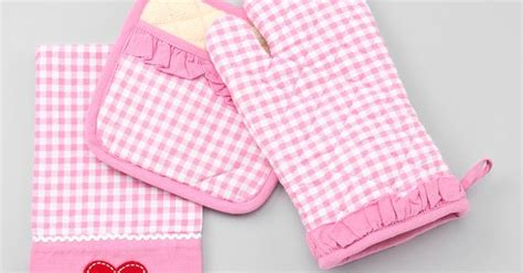 gingham kitchen accessories pink gingham kitchen accessories set i pink gingham 1217
