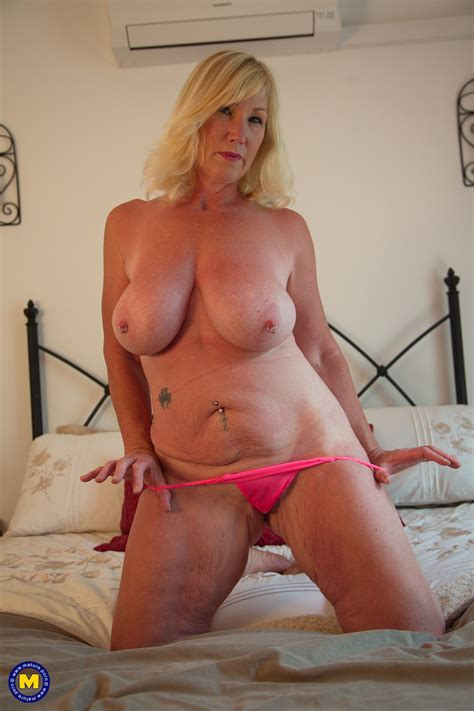 Mature Melody Moans With Big Tits Fucks Herself With A Sex
