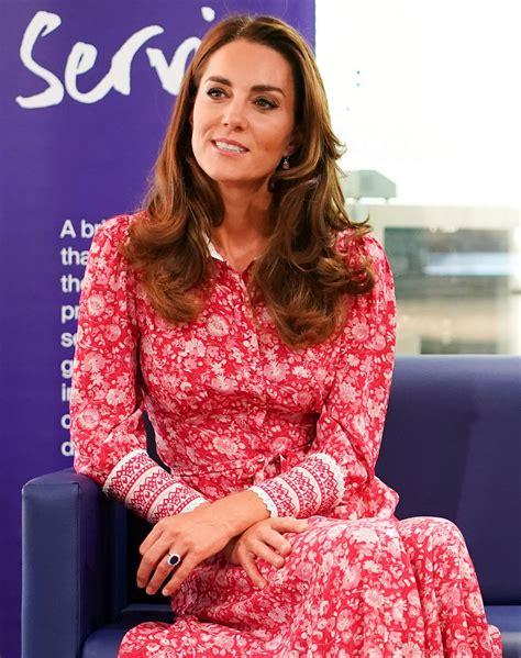 Prince william and kate middleton met at the university of st. Kate Middleton - Beigel Bake, Brick Lane Bakery in London 09/15/2020 • CelebMafia