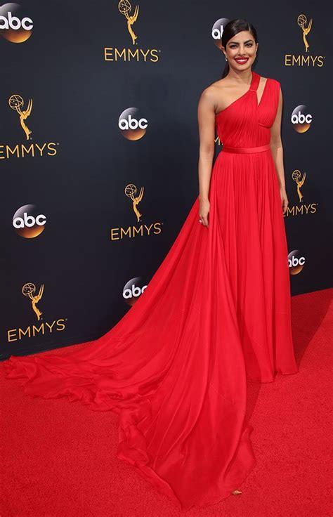 lovely dresses    primetime emmy