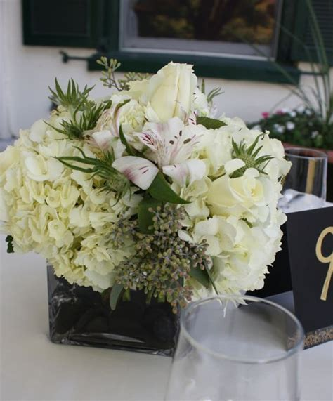 white flower table l 1000 images about black white wedding events on