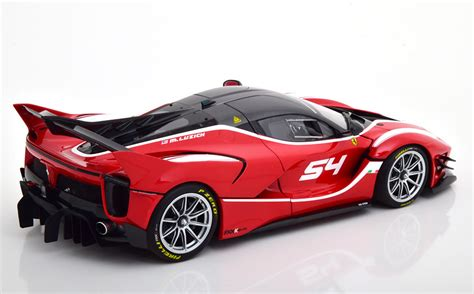 New video suggests that an even more potent version of the fxx k could be in the works, potentially. 1:18-Ferrari FXX-K Evo-No 54-2017-danas-crveni-BBR