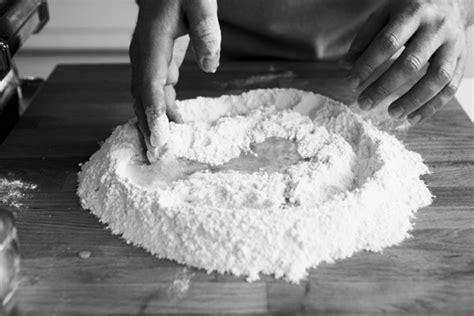 comment cuisiner les pates fraiches comment cuisiner les pates fraiches 28 images comment faire ses p 226 tes maison royal chill