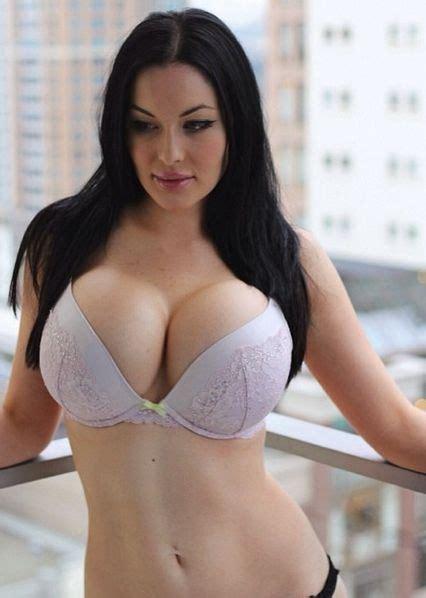 Veronika Black | Veronika Black | Pinterest | Follow me, Curves and Itu