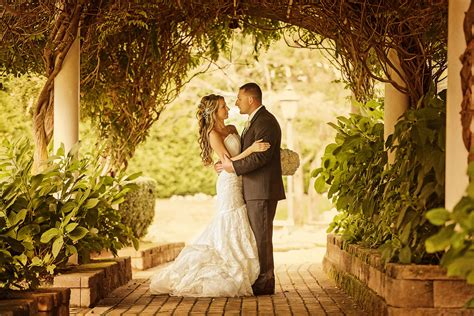 professional outdoor wedding photography 35 best wedding poses to make your album worth