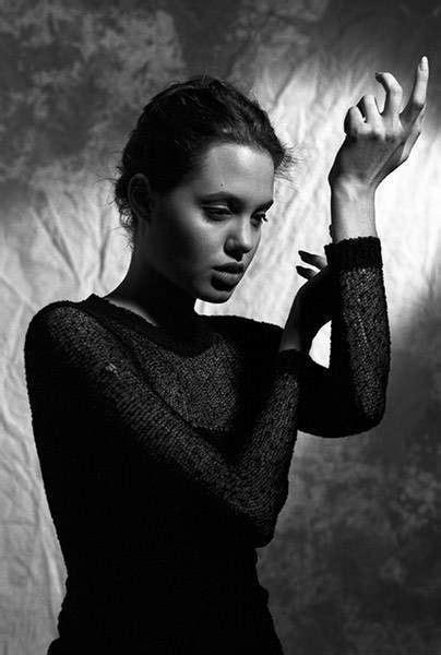 16 gadus vecās Andželinas Džolijas fotosesija | Photo sessions, Couple photos, Photo