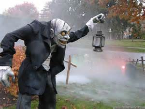 Scary Halloween Yard Decorations