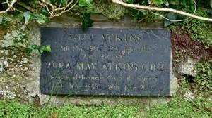 Memorial to Vera Atkins in Saint... © Peter Skynner ...