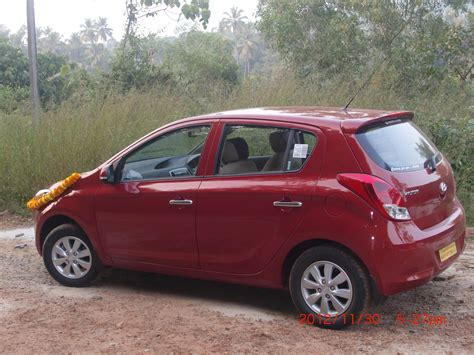 Hyundai I20 2012 Sportz 14 Crdi Photos, Images And