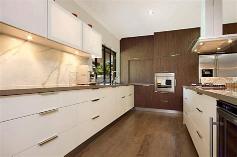 how to keep kitchen cabinets clean how to keep kitchen cabinets clean a t cabinet makers