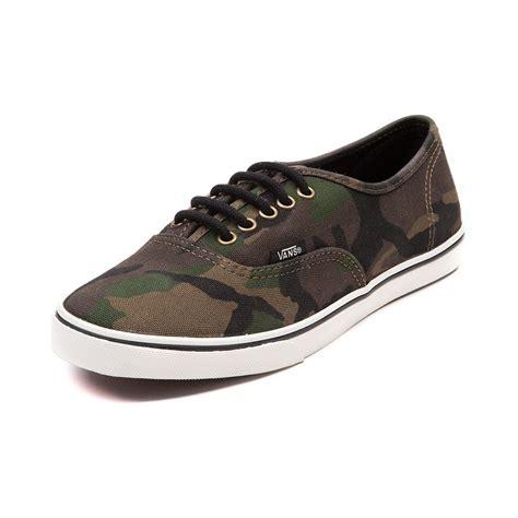 vans authentic lo pro camo skate shoe saw these at mohawk vans vans authentic
