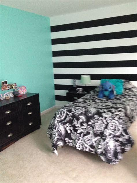turquoise   walls black  white horizontal