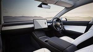 Tesla delivers extended range and improved cabin for Model 3 | Motoring Research